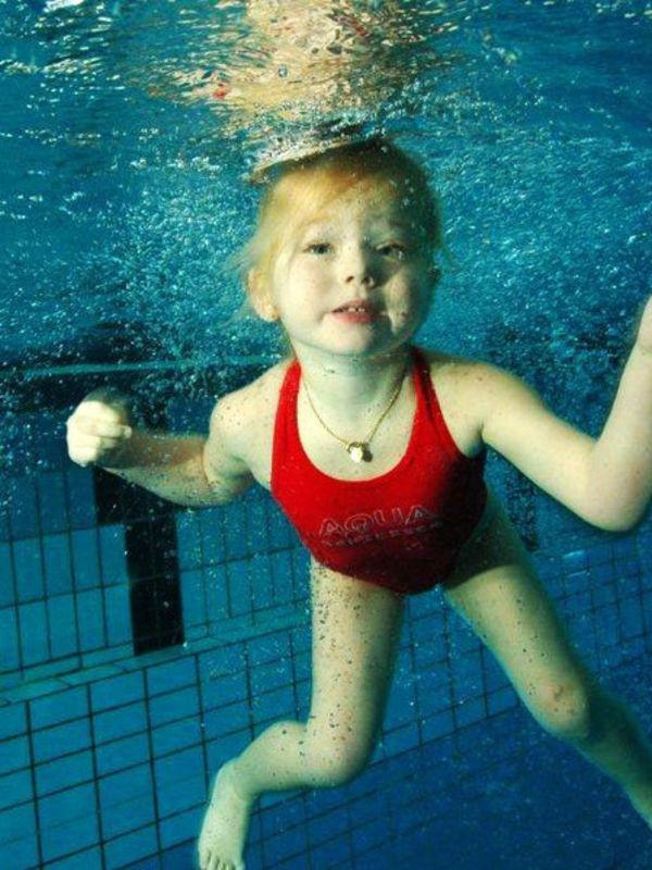 Bild:Kinderschwimmen