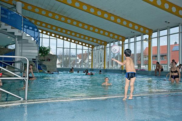 Bild:Nichtschwimmerbecken Spielen