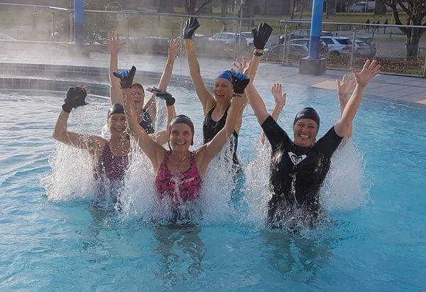 Bild:Aquafitness-Kurs im Außenbecken des BaV