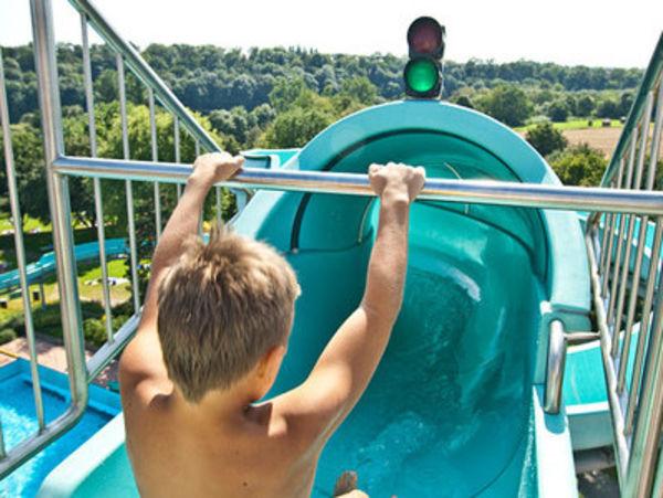 Bild:Rutsche Badepark Ellental